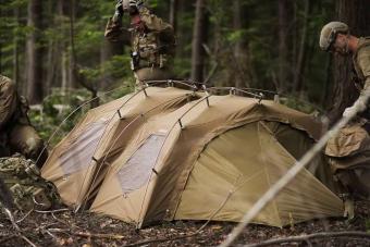 Ezt tudja egy 700 ezer forintért kínált profi katonai sátor