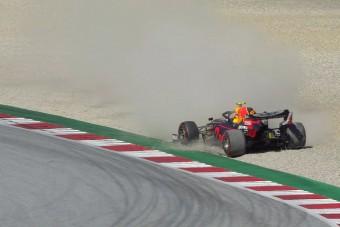 Red Bull: Hamilton kérjen bocsánatot!