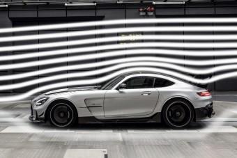 Videó a legállatabb Mercedes