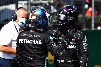 F1: A Mercedes-vezér elszólta magát Hamiltonékról