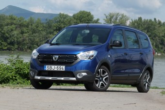 Kis pénzért nagy autó - Dacia Lodgy teszt