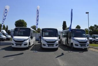Cseh midibuszokat kapott egy magyar település