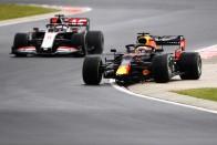 F1: 25 másodpercen múlt Verstappen versenye 1