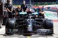 F1: Meglett Hamilton fekete sisakja is 1