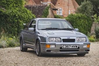 Ezt a Sierra RS Cosworth-ot hajtotta a brit sajtó