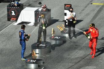 F1: Csak kapkodták a fejüket a dobogósok a káoszban