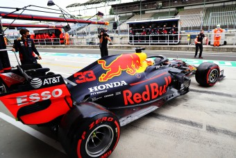 F1: A motorok befagyasztását kéri a Red Bull