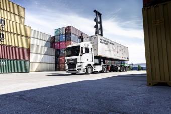Konténerek között teljesíthet a legújabb önvezető kamion