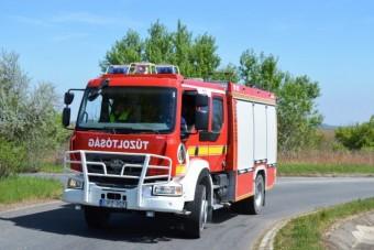 Esküvője napján is segített a bajba jutottakon a magyar tűzoltó