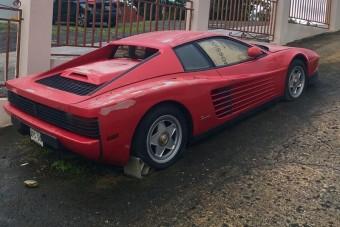 Megmentették a 17 éve elhagyott Ferrarit
