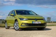 Vajon a kategória etalonjának számító VW Golf fedélzeti rendszere is erős? 1
