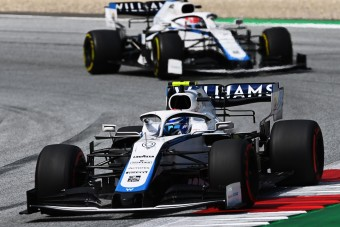 F1: Ez is eldőlt, a Williams sem cserél pilótát