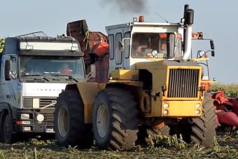 Így ment sárba ragadt traktorokat a legendás Rába