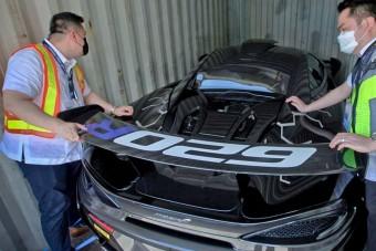 Értékes sportautót fogtak a fülöp-szigeteki vámosok