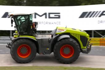 500 lóerős traktor döntött rekordot a Nürburgringen