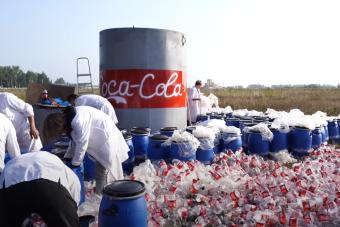 Valódi kólaesőt hozott össze egy orosz videós