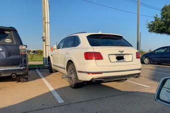 Bűnbe illő karaktergyilkosság, amit ezzel a Bentleyvel műveltek