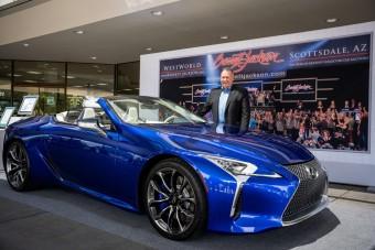 Több mint 600 milliót fizettek ki az első Lexus LC 500 kabrióért