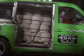 Így öl meg egy raklap rosszul rögzített beton