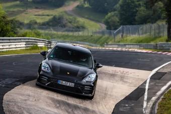 Rekordot ment a Nordschleifén a Porsche Panamera
