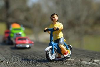 Bringával indult el az autópályán egy hatéves kisfiú a nagyihoz