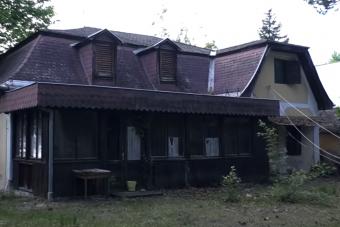 Ilyen egy rég elhagyott nyaraló a Balatonnál
