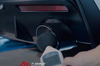 Egy modern, turbós sportkocsinak is jó hangja van, csak kipufogó kell hozzá