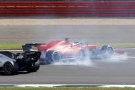 Ferrari: Kötelességünk segíteni Vettelnek 1
