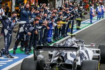 F1: Majdnem falnak ment a nap versenyzője
