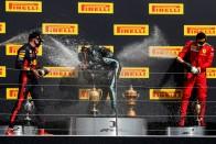 F1: Sokba került a McLarennek a defekt 1