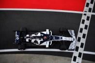 Ex-Red Bull-pilóta iskolázta le a villany-F1 mezőnyét 1