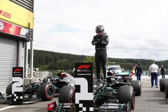 F1: Az elhunyt filmsztárnak ajánlja pole-ját Hamilton