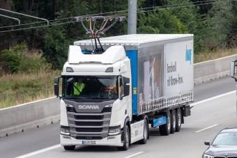 Már javában dolgoznak az áramszedős kamionok