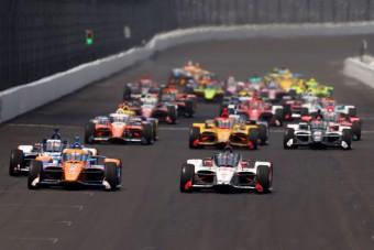 Alonso megint elvérzett, a japán pilóta duplázott az Indy 500-on