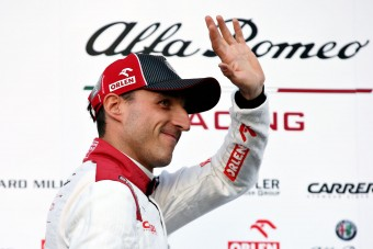 F1: Újra bevetik Kubicát