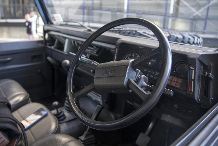 Már nemcsak a mocsárban, hanem a városban is életképes – Land Rover Defender 2020 8