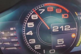 Így ugrik 200 km/órára a legújabb Ferrari
