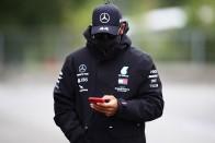 F1: Az elhunyt filmsztárnak ajánlja pole-ját Hamilton 2