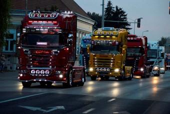 Parádés kamionos felvonulás volt Hajdúszoboszlón