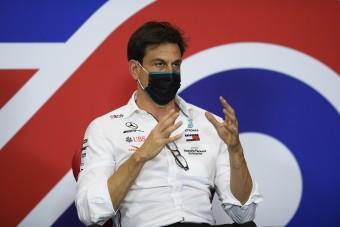 F1: Mérgesek a Mercinél, sok pénzt bukhatnak