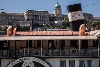 A budapesti hajózásról nyílt kiállítás a Dunán