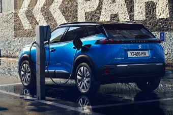 Nem gyárt már autót villanymotor nélkül a Peugeot?