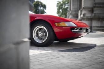 A Ferrari Daytona, aminek levágták a tetejét