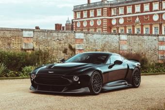 Mesés a legerősebb kéziváltós Aston Martin