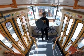 Már a pesti villamosokon is szállítható kerékpár
