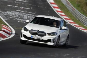 Elsőkerekes sportmodell a BMW-től, 265 lóerővel