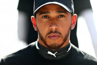 F1: Kiállást követelnek Hamiltontól