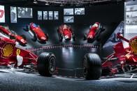 F1: Az elődje védte meg a Ferrari-főnököt 4