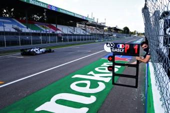 F1: Hamilton megint beszólt a Red Bullnak