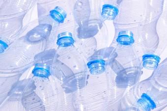 Találtak egy enzimet, ami felzabálja a műanyagot